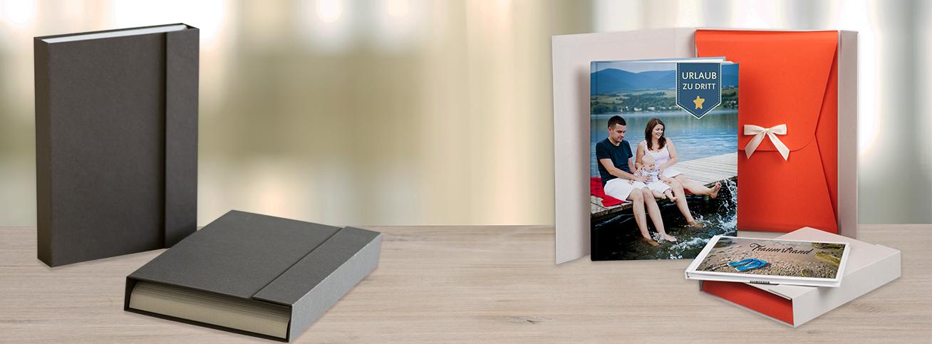 fotobuch geschenkbox mit schleife rossmann fotowelt. Black Bedroom Furniture Sets. Home Design Ideas